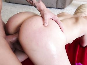 Fitness Trainer And A Big Ass Client Get It On