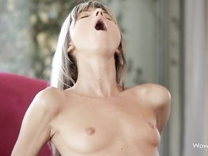 Skinny Girl Is Perfect For Reverse Cowgirl Sex