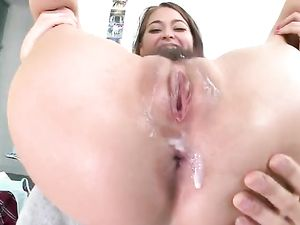 Hairy Wet Cunt Of Riley Reid Takes A Big Dick