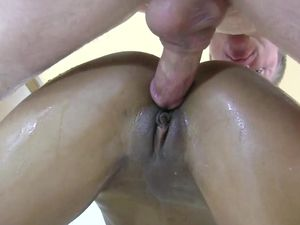 Hard Fucking Makes The Cute Black Amateur Squirt