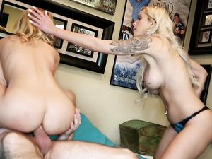 Teen Ass Fucked As A Busty Blonde Mommy Watches